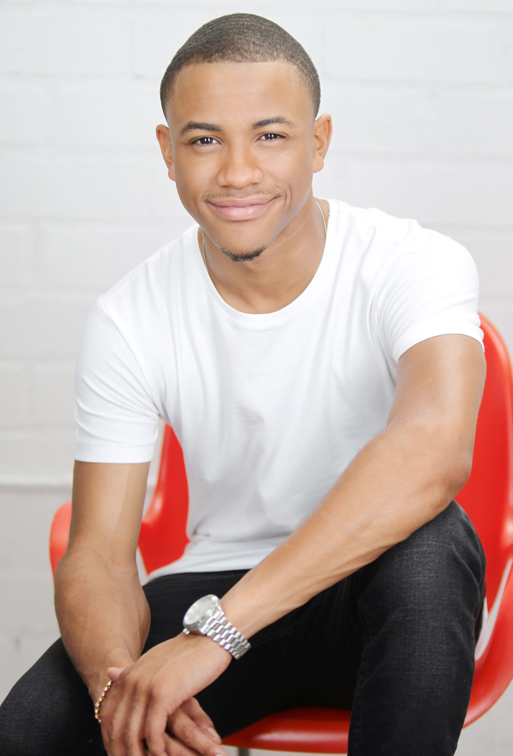 GH'S TEQUAN RICHMOND NABS HIGH-PROFILE PILOT | Soap Opera ...